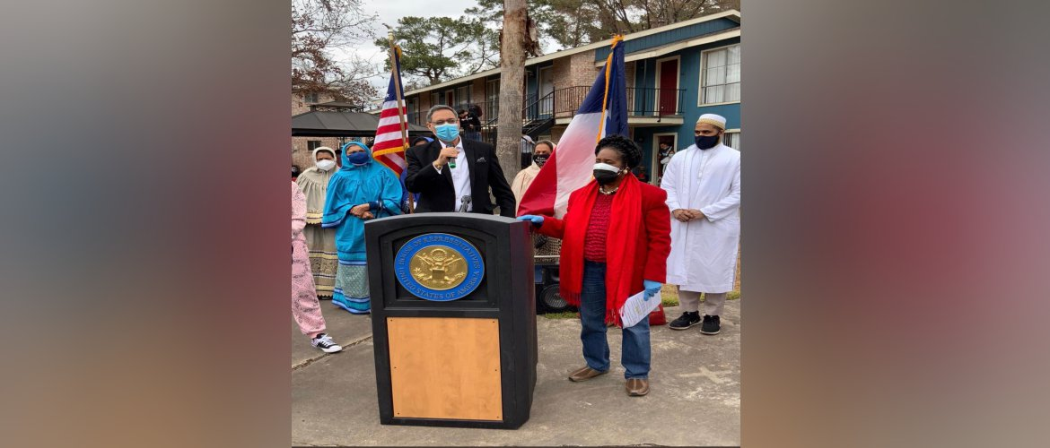 Consul General joined Congresswoman Sheila Jackson Lee in the food distribution drives organized by the Dawoodi Bohra community of Houston on 21 February 2021.