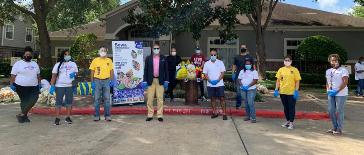 Consul General participated in the food distribution drive organized by SvgCharity & Sewa Houston